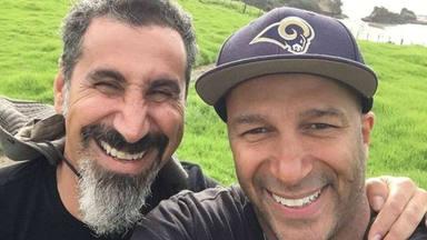 Escucha a Tom Morello (RATM) y a Serj Tankian (SOAD) versionar a los míticos Gang of Four