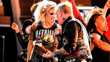 Lady Gaga y Metallica juntaron maestría en unos Grammy que no dejaron indiferente a nadie