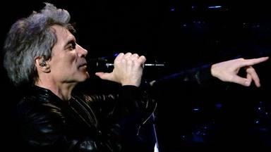 """Jon Bon Jovi """"nunca había escuchado"""" a Judas Priest antes de salir de gira con ellos"""