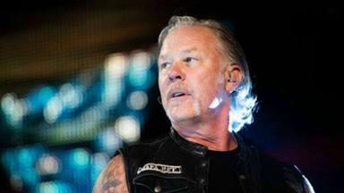 """James Hetfield (Metallica) desvela su principal """"manía"""" a la hora de componer canciones y reparar coches"""