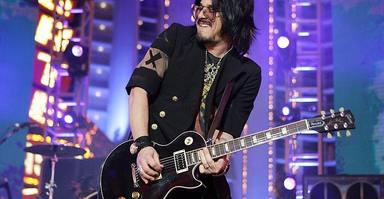 """Gilby Clarke, sobre su paso por Guns N' Roses: """"No necesito revivirlo"""""""