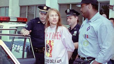 Guns N' Roses: la violenta relación pared con pared que acabó con Axl Rose componiendo este tema a su vecina