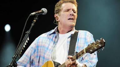 5 años sin Glenn Frey, el jugador de lucha libre que acertó al coger una ármonica y ser un referente del rock