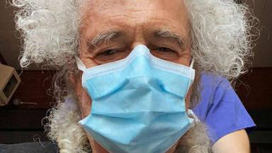 Brian May, hospitalizado tras desgarrarse el glúteo mayor en su casa