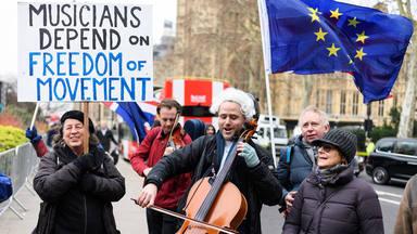 """El Brexit desespera a los músicos ingleses: """"Los tours como los recordábamos son imposibles"""""""
