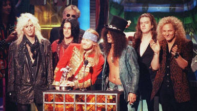 """¿Cómo afectó el grunge a Guns N' Roses? """"Con 'Black Hole Sun', me di cuenta de que las cosas habían cambiado"""""""