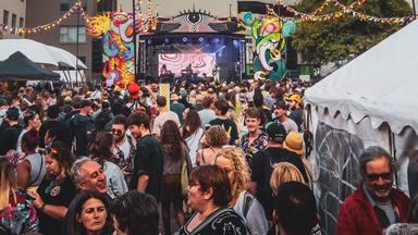 Así es el festival más grande de la era post-COVID: en Nueva Zelanda y con más de 120.000 personas