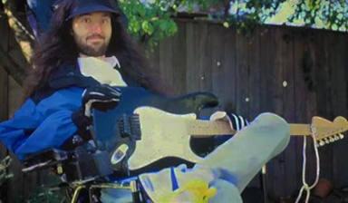 Las estrellas del rock sacan sus guitarras para combatir contra la ELA