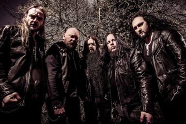 Sinsaenum rinde homenaje a su ex compañero Joey Jordison