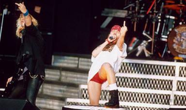 """El enorme desprecio de Axl Rose (Guns N' Roses) a Jerry Cantrell (Alice in Chains): """"Vi como la tiraba"""""""
