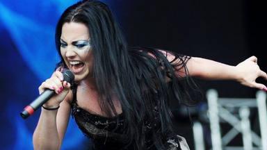 "La ""mala pata"" de Amy Lee, cantante de Evanescence, casi le cuesta la gira"
