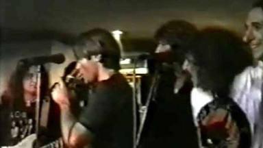 El día que Bruce Dickinson cantó con Rosendo, Yosi o Fortu gracias a El Pirata