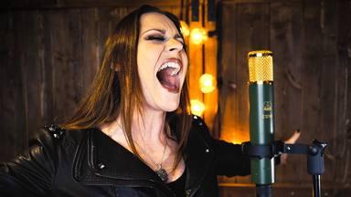 """La cantante de Nightwish hace una potente versión del """"Let It Go"""" de la película de Disney 'Frozen'"""