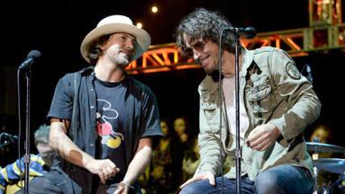 """Eddie Vedder (Pearl Jam) desvela el motivo por el que el grunge era """"tan oscuro"""" a la hija de Chris Cornell"""