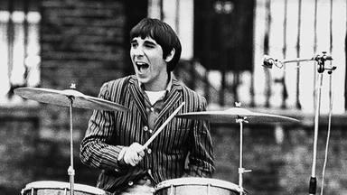 ¿Por qué Keith Moon (The Who) le pidió a sus fans que le mandaran fotos de su culo en 1975?