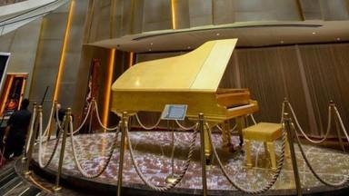 Piano Elvis