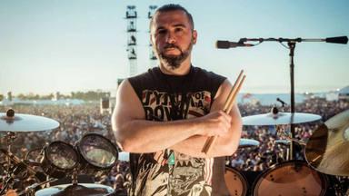 """John Dolmayan (System of a Down) califica el movimiento """"Black Lives Matter"""" de """"ilegítimo y propagandístico"""""""