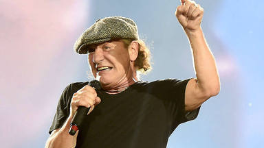 Brian Johnson (AC/DC) explica cómo ha conseguido superar la pérdida auditiva que le retiró de la música
