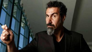 """Serj Tankian tacha de """"hipócritas"""" a los fans de System of a Down que escuchan esta canción y votan a Trump"""