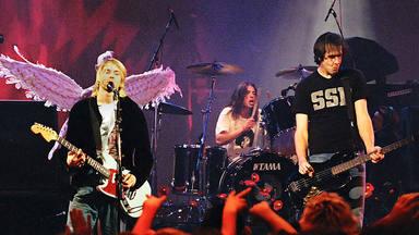 """Dave Grohl desvela el disco de Nirvana que le cuesta escuchar: """"Es jodidamente oscuro"""""""