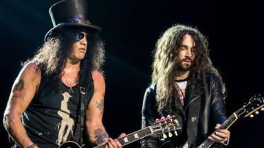 """El guitarrista de Slash sufre un grave accidente de coche: """"Ha sido una experiencia realmente traumática"""""""