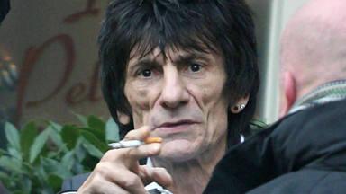 ¿Puede Ronnie Wood (The Rolling Stones) conducir ganado, llevar una espada o ir borracho por Londres?