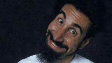 """Las cinco versiones del """"Chop Suey!"""" de System of a Down que más te sorprenderán, para bien o para mal"""