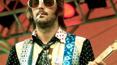 Un nuevo documental ahonda en las tragedias de Eric Clapton.