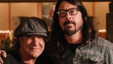 """La alocada cena de Dave Grohl con AC/DC y Paul McCartney: """"Dave, soy jodidamente feliz"""""""