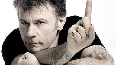 ¿Por qué Bruce Dickinson (Iron Maiden) es bueno en todo lo que hace?