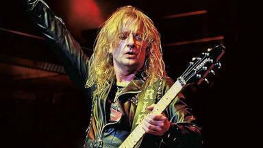 """K.K. Downing (Judas Priest) elige a su rockero favorito: """"Me quedé con una botella de la que él había bebido"""""""