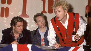 """Los miembros de Sex Pistols contestan a Johnny Rotten y él les llama """"sucios metirosos"""""""