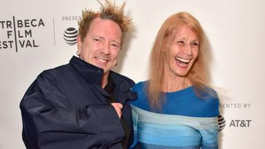 """John Lydon (Sex Pistols) y su resiliencia ante el Alzheimer de su esposa: """"Será amada cada paso del camino"""""""