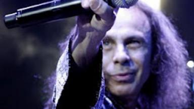 Wendy Dio, ha explicado cómo se puedo completar la biografía de Ronnie James Dio tras su muerte