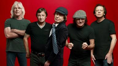 """El ingeniero de AC/DC explica el verdadero motivo por el que la banda """"siempre suena igual"""""""