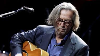 """Eric Clapton, señalado por su canción """"anti-confinamiento"""" y sus comentarios racistas"""