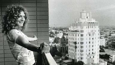 """Robert Plant (Led Zepelin) desvela el brutal significado de esta fotografía: """"Fue un sinsentido"""""""