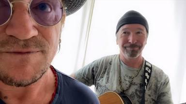 """Bono y The Edge (U2) interpretan una divertida versión de """"Stairway to Heaven"""" de Led Zeppelin"""