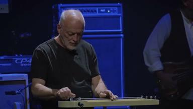 """Así tocó David Gilmour (Pink Floyd) en la """"ultima gran reunión"""" de estrellas de rock antes de la COVID-19"""