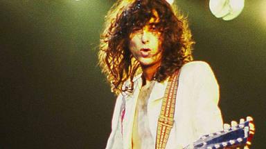 """¿Grabó Jimmy Page (Led Zeppelin) la canción de The Kinks que """"inventó la guitarra con distorsión""""?"""