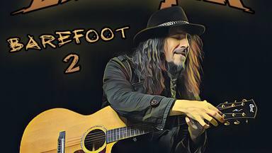 Bumblefoot, ex-guitarrista de Guns N' Roses, versiona a Iron Maiden en acústico