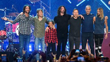 """La pequeña estrella de la batería une fuerzas con Foo Fighters en esta increíble versión de """"Everlong"""""""