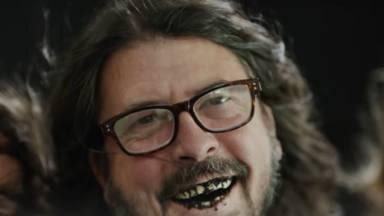"""Dave Grohl (Foo Fighters) y la burrada por que le echaron del dentista: """"Le acerqué la boca al oído y..."""""""