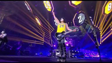 Paul Stanley rinde homenaje a Kobe Bryant en un concierto de Kiss