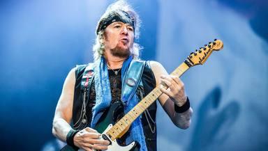 Adrian Smith (Iron Maiden) desvela el truco detrás de los solos de 'Powerslave' y 'Wasted Years'
