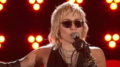 Miley Cyrus destrona a Queen con sus brutales versiones dejándolos como teloneros de su impecable actuación
