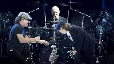 AC/DC toca con Chris Slade a la batería