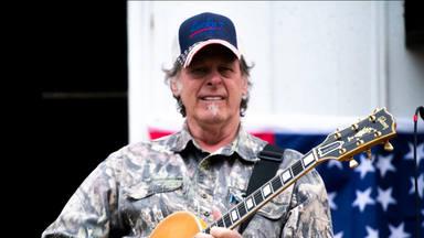 Ted Nugent afirma que no está en el Rock And Roll Hall of Fame por estar a favor de las armas y en contra de l