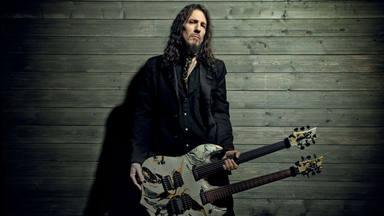 "Ron ""Bumblefoot"" Thal (ex Guns N' Roses) asegura que grabó partes de la canción ""Absurd"""