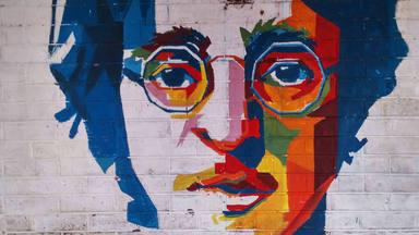 Descubre, en imágenes, los momentos más importantes de la vida de John Lennon